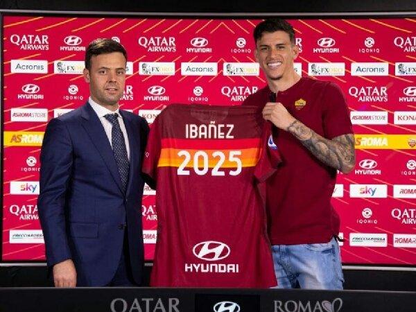 Roger Ibanez tanda tangan kontrak baru dengan AS Roma