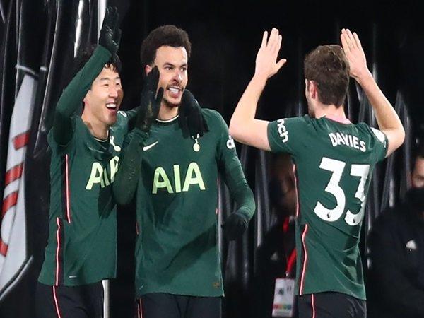 Mourinho enggan pikirkan klasemen usai Spurs menang vs Fulham