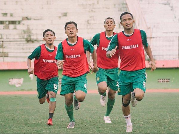 Aji Santoso berikan materi conditioning kepada pemain Persebaya Surabaya