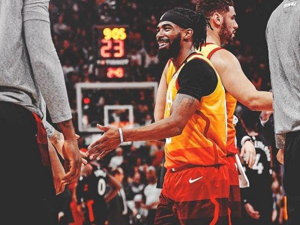 Point guard Utah Jazz, Mike Conley.
