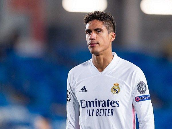Raphael Varane diyakini akan mendapatkan pembaruan kontrak dari Real Madrid.