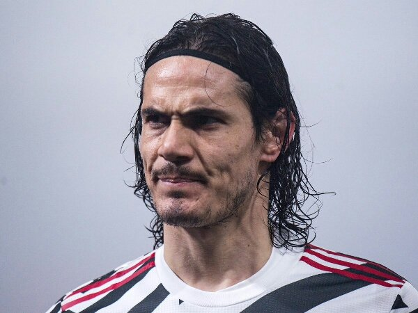 MU diklaim takkan juarai Liga Premier dengan Edinson Cavani sebagai striker utama