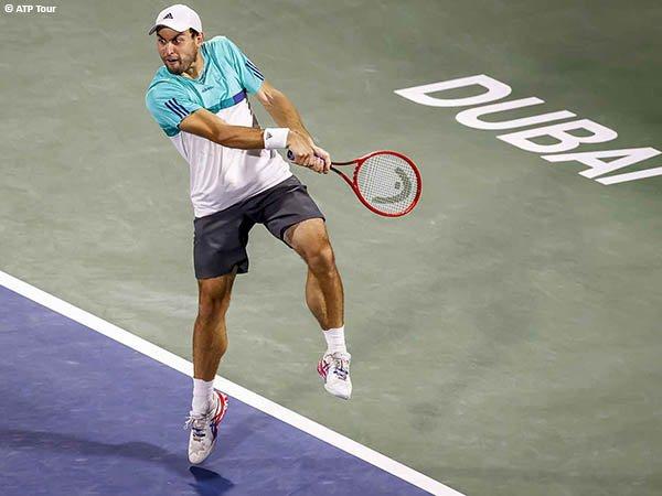 Aslan Karatsev melenggang ke final di Dubai musim 2021