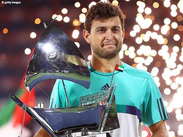 Aslan Karatsev keluar sebagai juara di Dubai musim 2021
