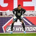 Siapkan Suksesor Lloris, Tottenham Buru Kiper Milik Lille