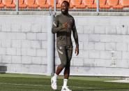 Moussa Dembele Kembali Berlatih Pasca Pingsan Di Lapangan