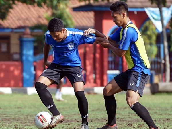 Latihan PSIS Semarang jelang menghadapi Arema FC