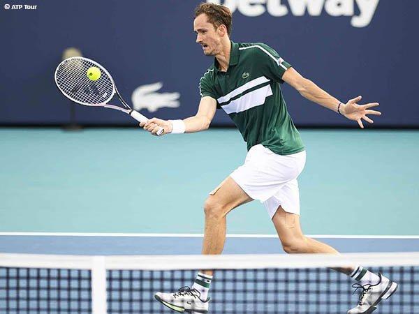 Daniil Medvedev melenggang ke perempatfinal Miami Open 2021