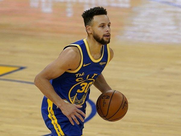 Bob Myers optimistis Warriors bisa lanjutkan kerjasama dengan Stephen Curry.