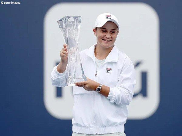Ashleigh Barty jadi petenis putri keenam yang berhasil pertahankan gelar Miami Open