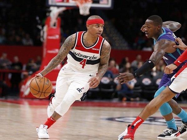 Isaiah Thomas kenang Kobe Bryant dengan pakai nomor punggung 24 di New Orleans Pelicans.