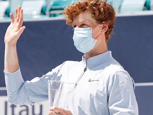 Jannik Sinner gagal menjadi petenis termuda yang menjuarai Miami Open