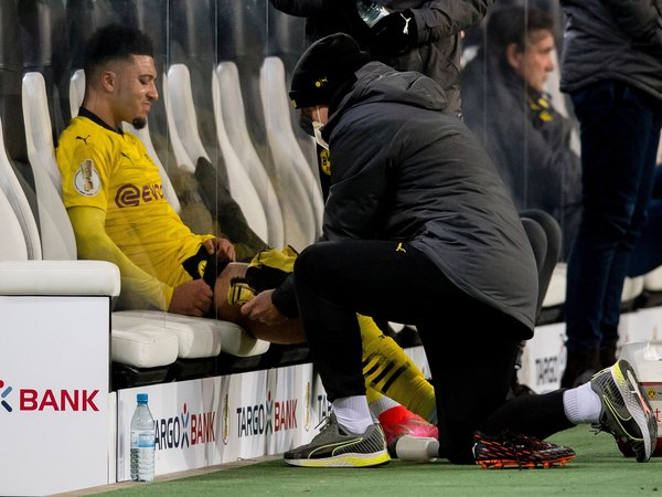 Jadon Sancho dipastikan absen saat Borussia Dortmund bertemu Manchester City di delapan besar Liga Champions (7/4) / via Getty Images