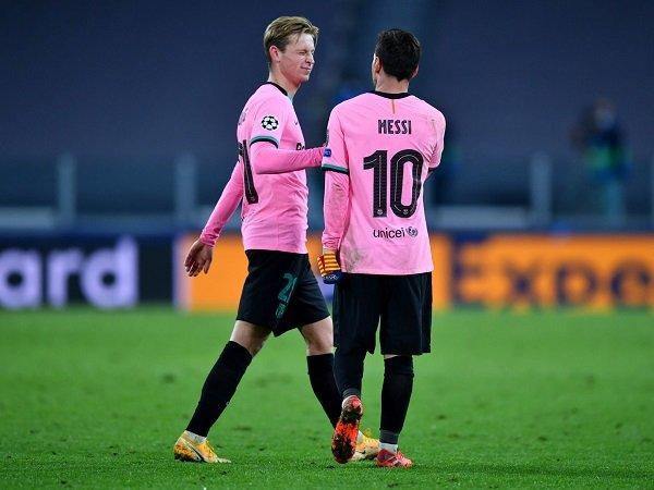 Lionel Messi dan Frenkie de Jong akan tetap bermain ketika Barcelona hadapi Real Valladolid.