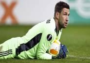 Stekelenburg Berpotensi Absen Saat Ajax Jumpa AS Roma di Liga Europa