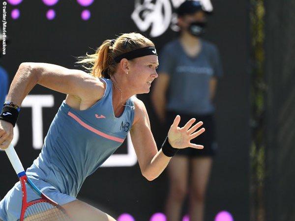 Marie Bouzkova tembus babak kedua di Charleston musim 2021