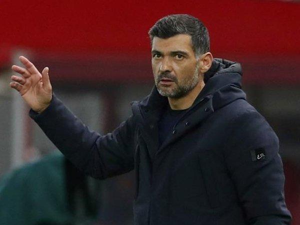 AS Roma kini mengincar Sergio Conceicao untuk menggantikan posisi Paulo Fonseca sebagai pelatih kepala / via Getty Images
