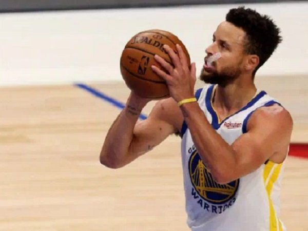Point guard Golden State Warriors, Stephen Curry.