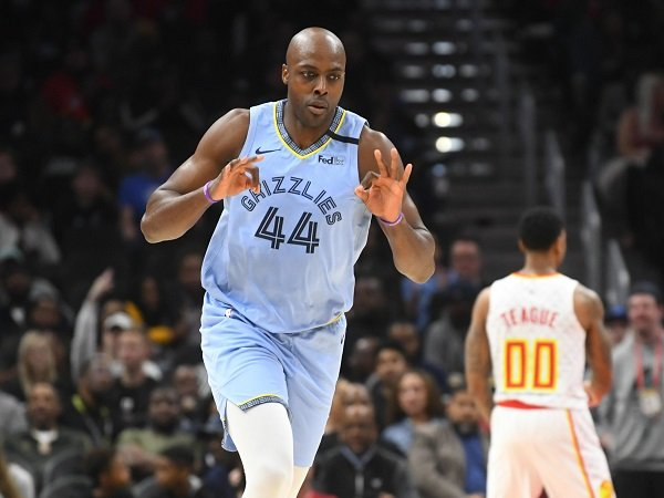 Philadelphia 76ers beri kontrak 10 hari kepada Anthony Tolliver.