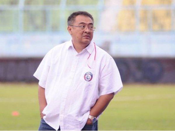 Arema FC Cari Pelatih yang Pernah Berkarir di Indonesia