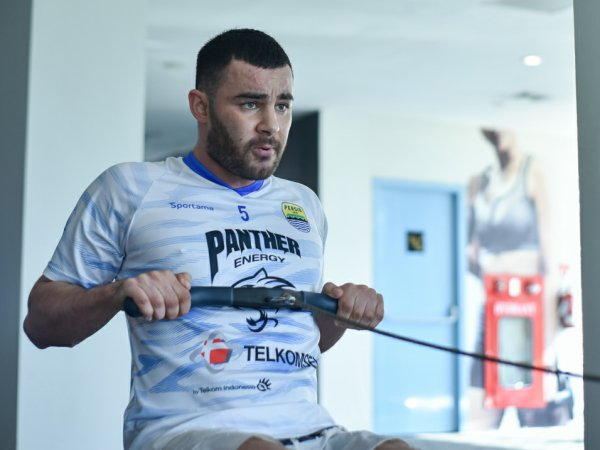 Farshad Noor ketika berlatih