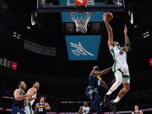 Pemain andalan Boston Celtics, Jayson Tatum saat tampil menghadapi Denver Nuggets. (Images: Getty)