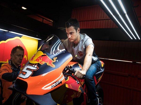 Dani Pedrosa diharapkan KTM bisa tingkatkan motor RC-16 lagi.