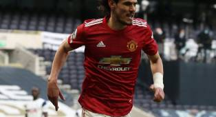Solskjaer Konfirmasi Man United Ingin Pertahankan Edinson Cavani, Tapi ...