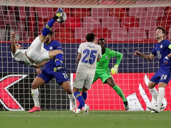 Chelsea kalah, namun tetap lolos ke semifinal Liga Champions.