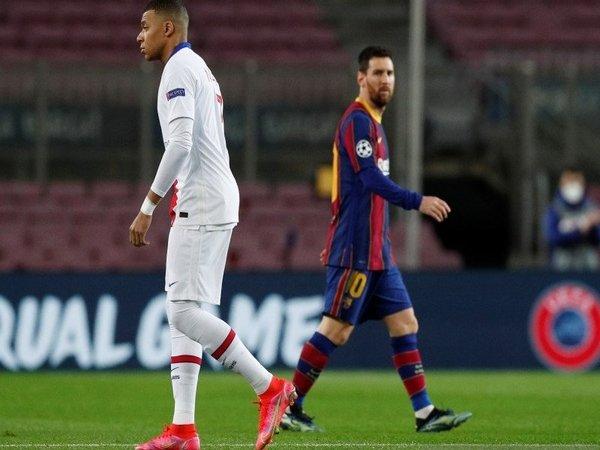 Neymar meminta publik untuk tak lagi membanding-bandingkan Kylian Mbappe dengan Lionel Messi / via Getty Images