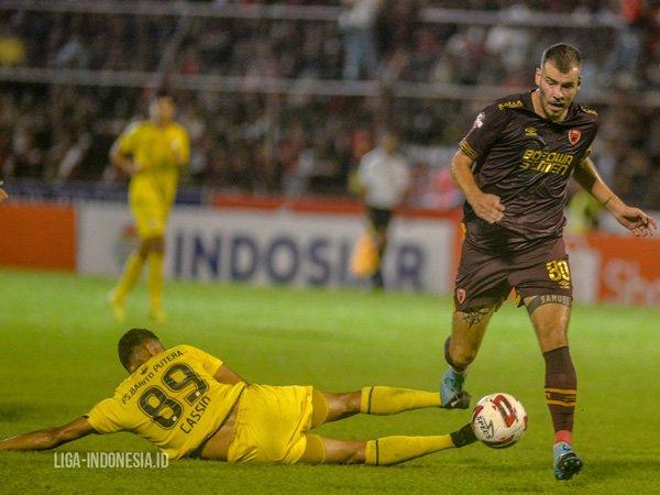 Willem Jan Pluim dipastikan tetap bertahan di PSM Makassar