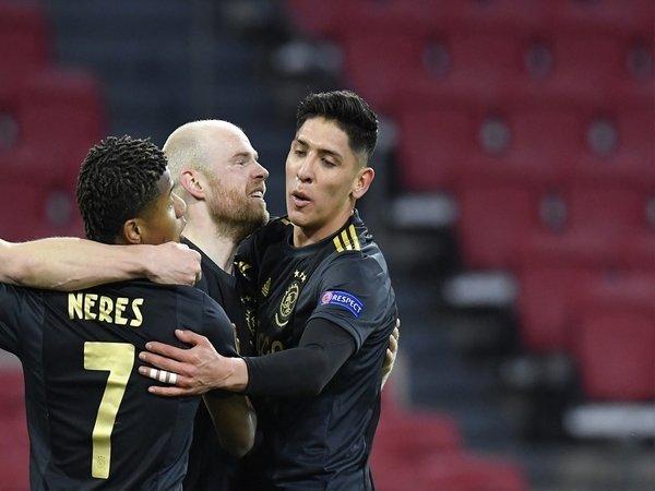 Nigel De Jong yakin Ajax Amsterdam mampu menyingkirkan AS Roma di babak perempat final Liga Europa / via Getty Images