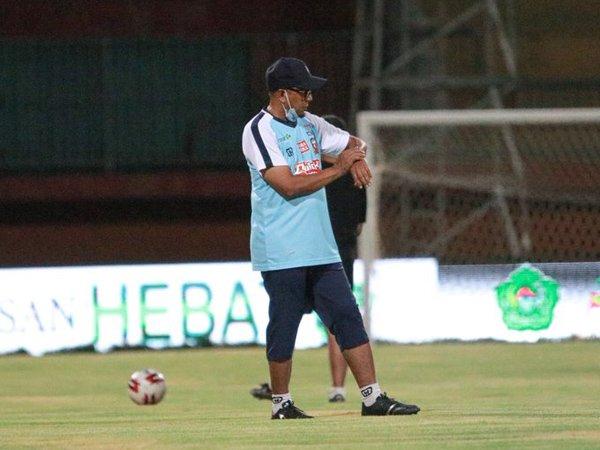 Pelatih Madura United, Rahmad Darmawan tunggu kepastian Liga 1