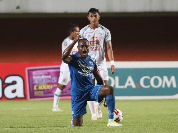 Bek Persib, Victor Igbonefo ketika merayakan gol