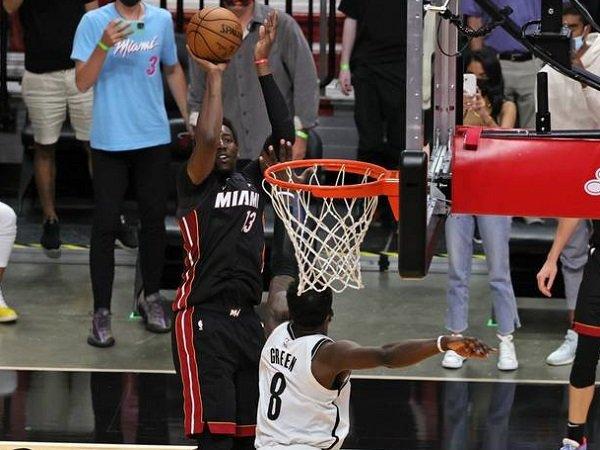 Tembakan Bam Adebayo yang menentukan kemenangan Miami Heat atas Brooklyn Nets.