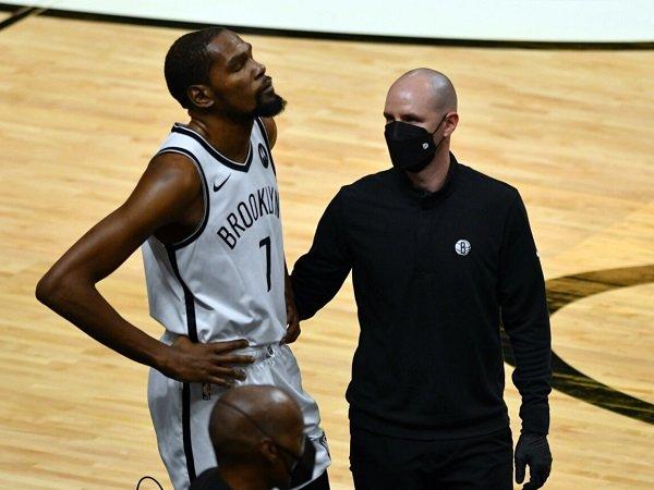 Kyrie Irving berharap agar Kevin Durant terhindar dari cedera parah.
