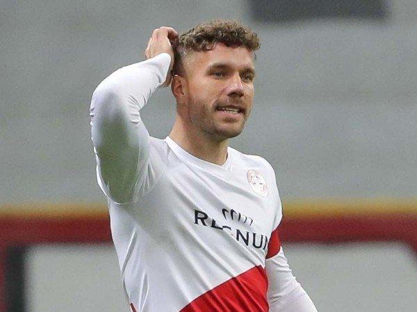 Lukas Podolski mengecam pembentukan European Super League