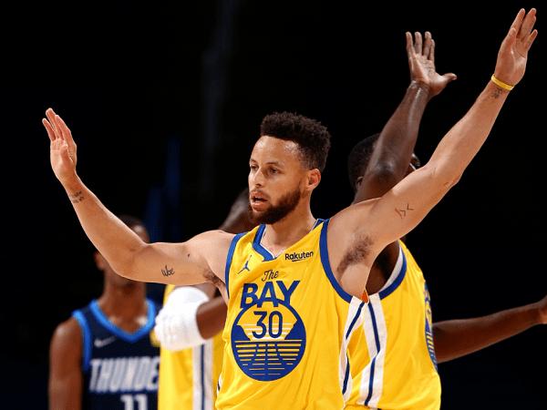 Magic Johnson prediksi Stephen Curry bakal raih gelar MVP musim ini.