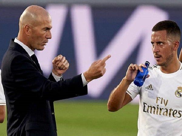 Zinedine Zidane saat bersama Eden Hazard. (Images: Getty)