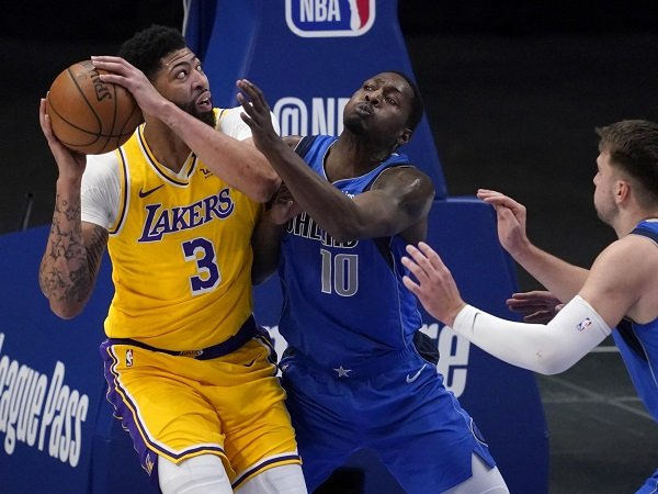 Dallas Mavericks hancurkan malam comeback dari Anthony Davis.