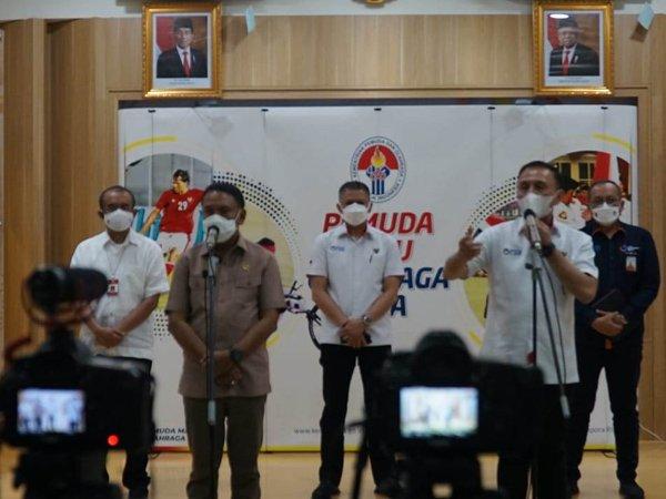 Ketum PSSI Mocahmad Iriawan saat bertemu Menpora RI, Zainudin Amali untuk membahas Liga 1