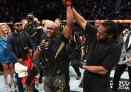 Kamaru Usman Pertahankan Gelar Juara UFC Usai Pukul KO Masvidal