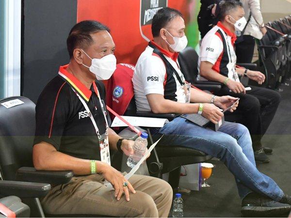 Menpora RI Zainudin Amali saat menyaksikan pertandingan PSM Makassar kontra PSS Sleman