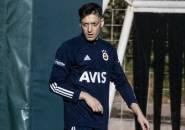 Sudah Dilepas ke Fenerbahce, Mesut Ozil Ternyata Masih Jadi Beban Arsenal