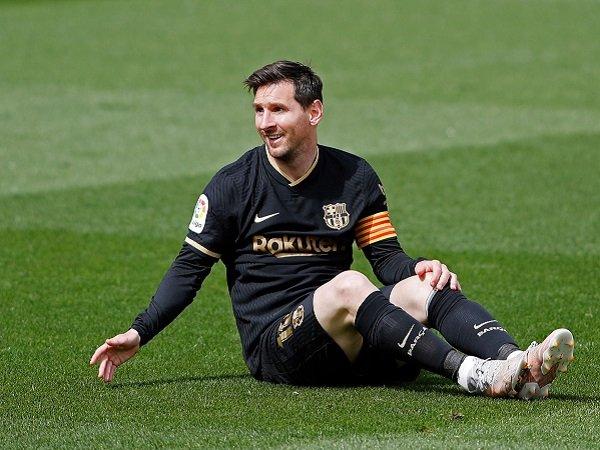 Lionel Messi kabarnya bakal dikontrak dua tahun di PSG.