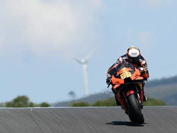 Hasil mengejutkan dicatat pebalap Red Bull KTM, Brad Binder. (Images: Crash)