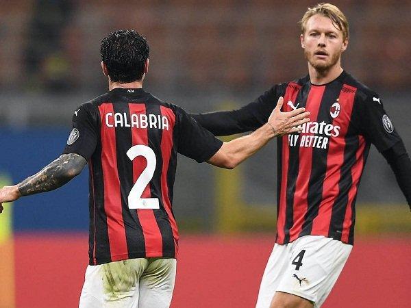 Duo bek Milan Davide Calabria dan Simon Kjaer