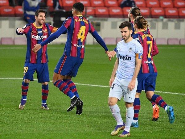Barcelona kontra Valencia dalam pekan berikutnya di La Liga.