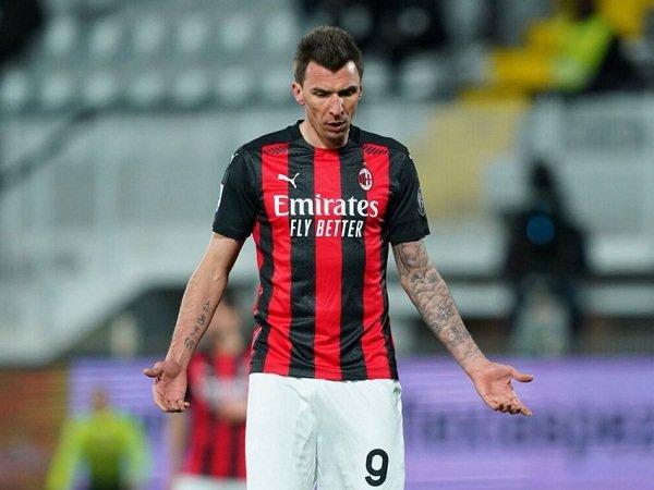 Mario Mandzukic dicoret dari skuat Milan lawan Benevento