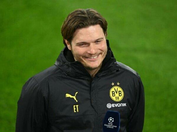 Zorc mengk.aim bahwa Edin Terzic madih masuk dalam rencana Borussia Dortmund untuk musim depan